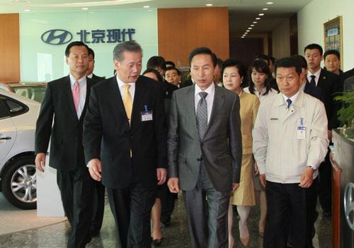 韩国总统访问北京现代 期待成世界一流高清图片