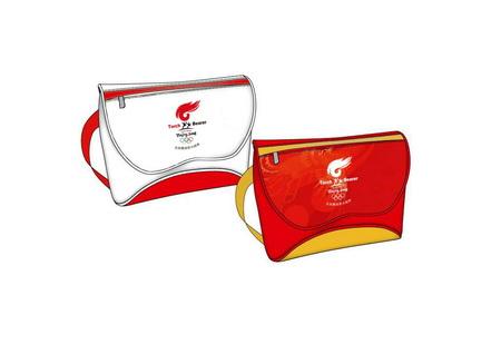 图文:奥运火炬特许商品 休闲运动袋