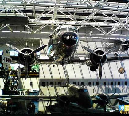 博物馆内的飞机