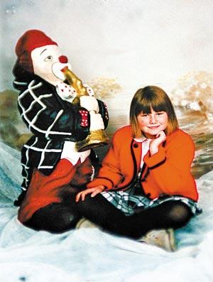 奥地利警方提供的娜塔莎童年时期的照片。