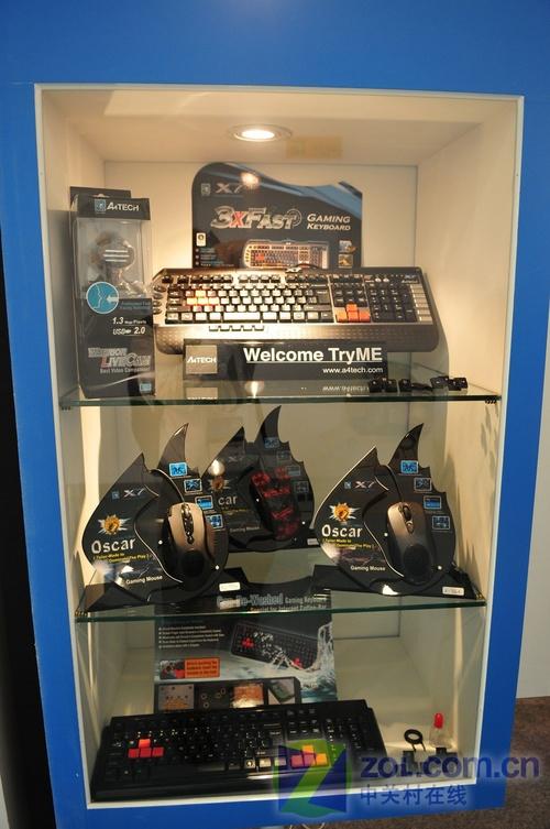 酷!双飞燕多款游戏新品亮相Computex