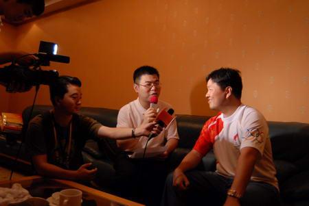 步步高商业连锁股份有限公司董事长王填接受记者访问