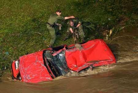德国西南部遭暴风雨袭击,灾情严重。