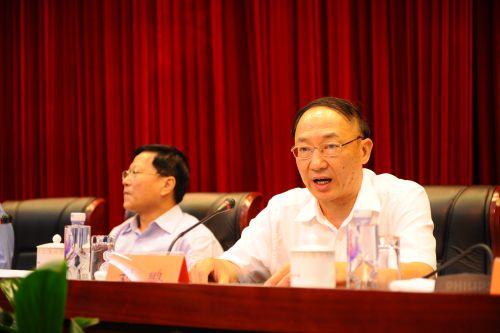 刘鹏在会上发表讲话