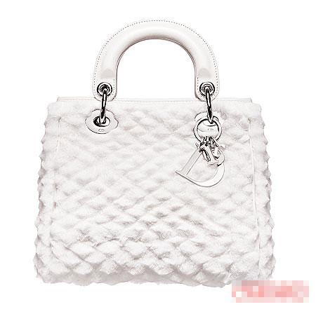 兔毛Avenue包包,采钻石切割方式。18500元