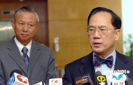 资料图:香港特别行政区行政长官曾荫权。 中新社发 邓庆乐 摄