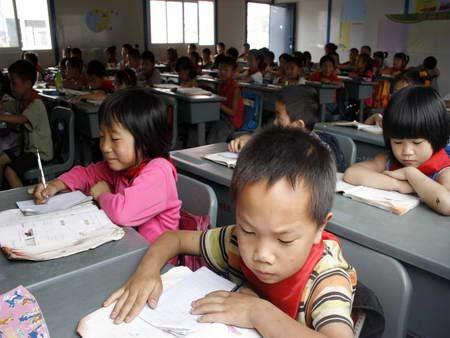 彭州灾区的中小学生已全部返校复课