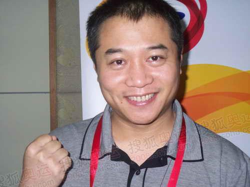 奥运乒乓冠军王涛 第一次传圣火激励人生