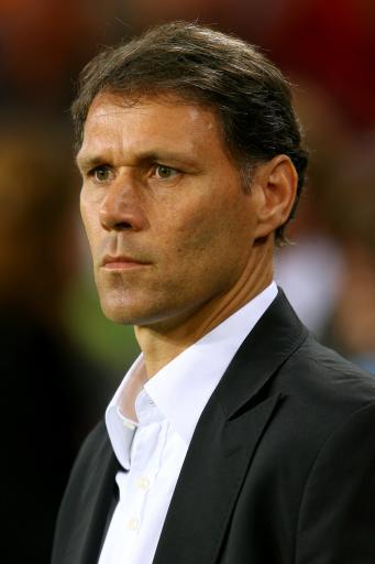 图文:欧洲杯16强主教练 荷兰队主教练范巴斯滕
