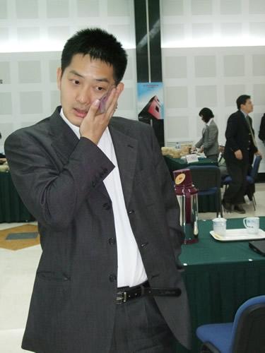 图文:富士通杯中国大捷 常昊复盘不禁有些后怕