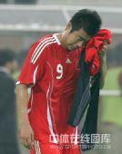 图文:国足0-1卡塔尔 韩鹏伤心落泪