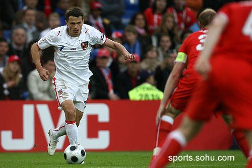 图文:2008欧洲杯瑞士0-1捷克 西昂科在场上