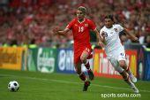 图文:2008欧洲杯瑞士0-1捷克 贝赫拉米突破
