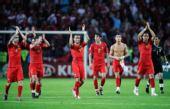 图文:欧洲杯葡萄牙2-0土耳其  葡队庆祝胜利