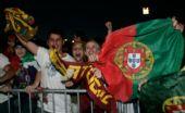 图文:欧洲杯葡萄牙2-0土耳其  葡队球迷狂欢