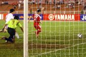 图文:[亚洲杯]中国1-2朝鲜 张艳茹回防不及