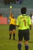 图文:[亚洲杯]中国1-2朝鲜 无奈的黄牌