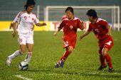 图文:[亚洲杯]中国1-2朝鲜 韩端以一敌二