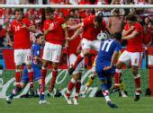 图文:奥地利0-1克罗地亚 斯尔纳主罚任意球