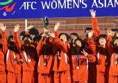 图文:[亚洲杯]中国1-2朝鲜 齐声欢呼