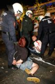 图文:德国2-0波兰 球迷赛后被捕