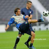 图文:意大利赛前最后训练 皮耶罗遭紧盯