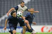 图文:意大利赛前最后训练 佩罗塔力压赞布罗塔