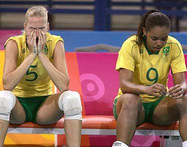 玛丽安妮为失利掩面痛哭2004