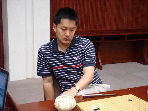 图文:第二届烂柯杯围棋冠军赛 常昊九段比赛中