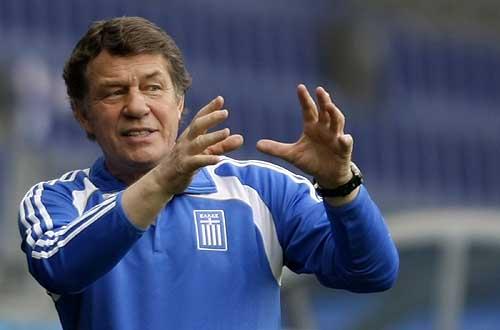 图文:希腊队备战首场比赛 抓住胜利