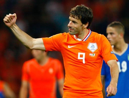 图文:荷兰3-0意大利 范尼紧握双拳