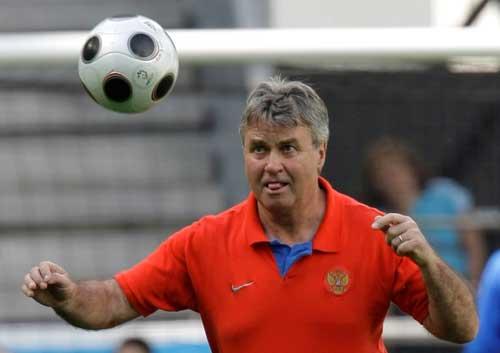 图文:[欧洲杯]俄罗斯备战小组首战 14