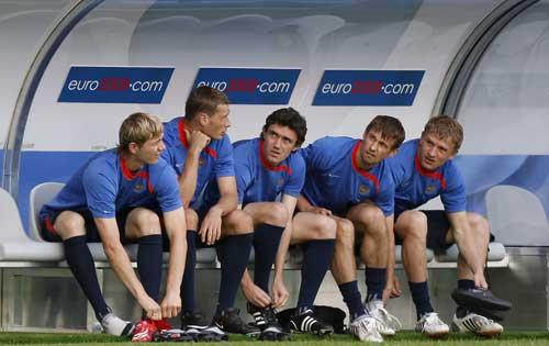图文:[欧洲杯]俄罗斯备战小组首战 17