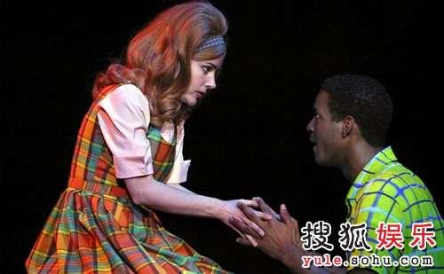 百老汇音乐剧《发胶星梦》精彩剧照12