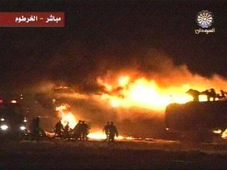 苏丹载有217人客机着陆时起火