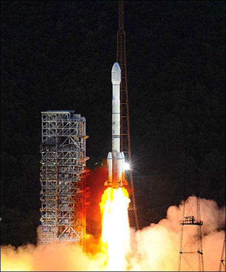 中星9号直播卫星发射升空