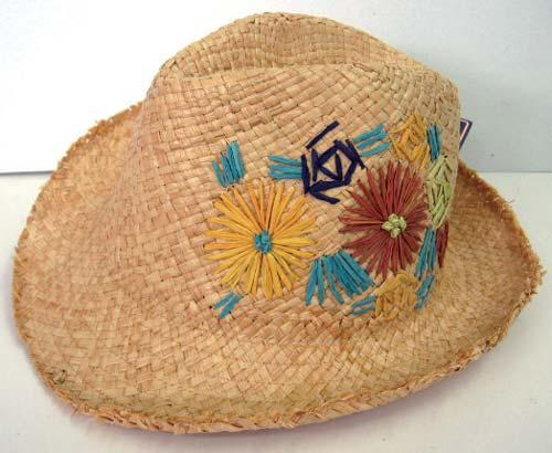 日本Grace编织草帽 港币299元 波希米亚式的缀花带出Grace特有的时尚优雅风格