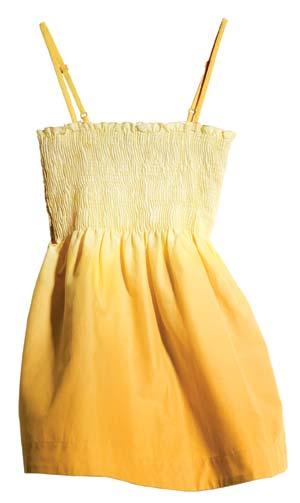 黄色渐变吊带上衣 港币149元 弹性上围勾勒出迷人曲线,颜色很抢眼,在人群中特别出色