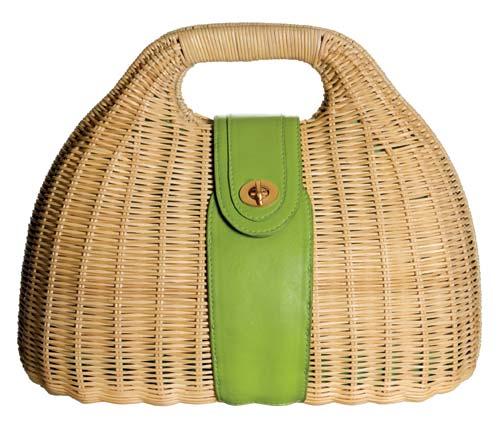 藤编手挽包 港币249元 既可以带去沙滩,也可以拿回办公室,让夏天的感觉一路伴随