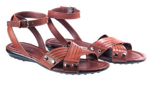 女装平底小牛皮绑带凉鞋 港币2900元