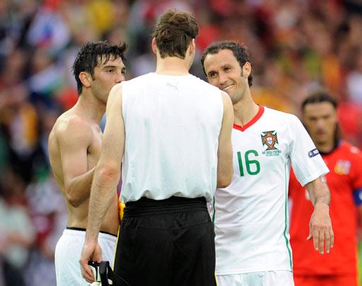 图文:捷克1-0葡萄牙 切赫对切尔西队友握手