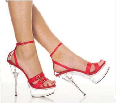 高危险鞋款:细跟高跟鞋-7厘米高跟鞋 挑战女人的美丽与健康极限