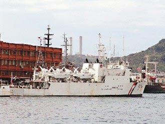 台湾和星舰前天上午进入钓鱼台十二浬内,与日本海上保安厅巡逻舰对峙一个多小时。(图片来源:台湾《联合报》)