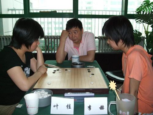 图文:百灵杯第三轮 俞斌九段为李赫与叶桂复盘