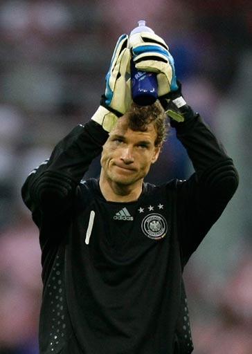 图文:德国1-2克罗地亚 莱曼感谢球迷