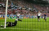 图文:德国1-2克罗地亚 莱曼扑救瞬间