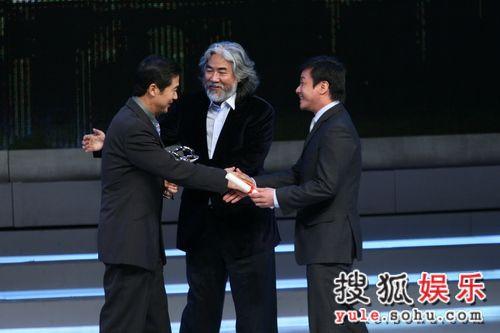 张国立凭《金婚》拿下最佳男演员奖