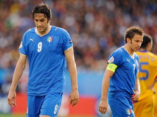 图文:意大利1-1罗马尼亚 托尼与皮耶罗