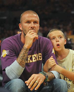 不用踢欧洲杯,小贝带大儿子看NBA总决赛