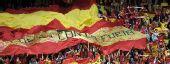 图文:[欧洲杯]西班牙VS瑞典 斗牛士球迷助威